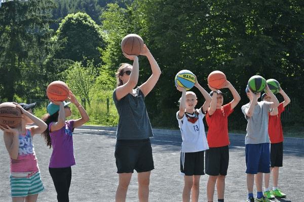 Training für Kinder und Jugendliche im Basketballcamp