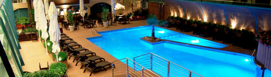 Pool der Hotelanlage