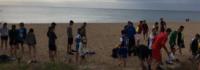 Gruppentreffen am Strand