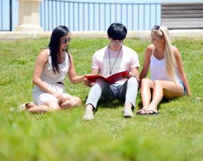 Jugendliche auf Malta