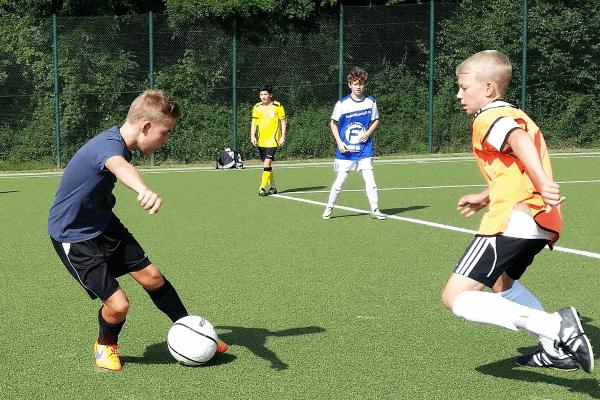 1 gg 1 im Fußballcamp