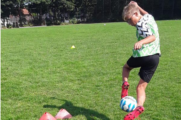 Trick beim Junior Fußballcamp