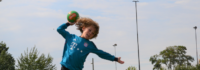 Handball Ju8nge wirft Tor