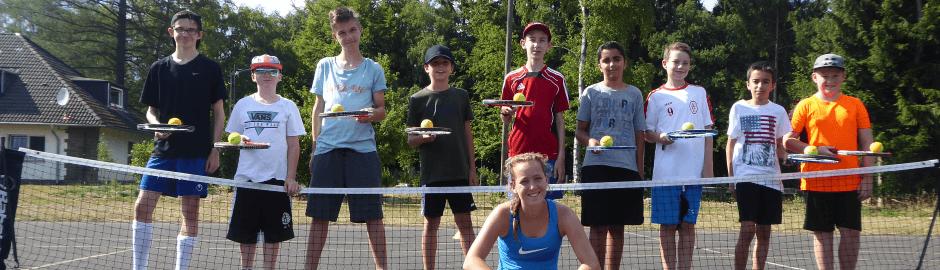 Gruppenfoto beim Tenniscamp