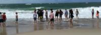 Jugendliche am Strand