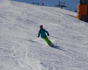 Carving im Snowboard- & Skicamp Kössen