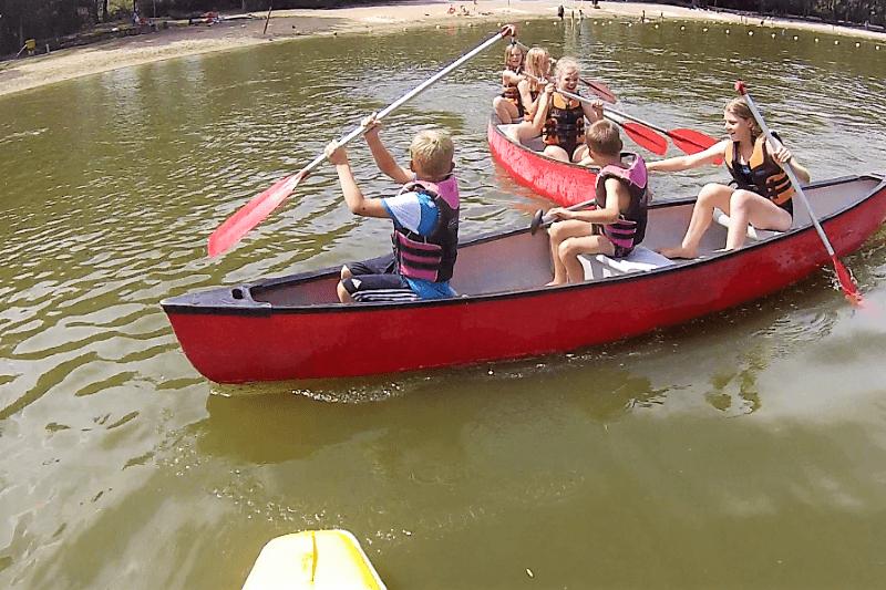 Komm mit auf Kanutour im Abenteuercamp- Feriencamps auf dem Wasser!