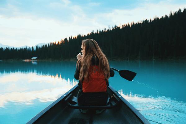 Paddel durch den See und komm zu uns ins Kanucamp